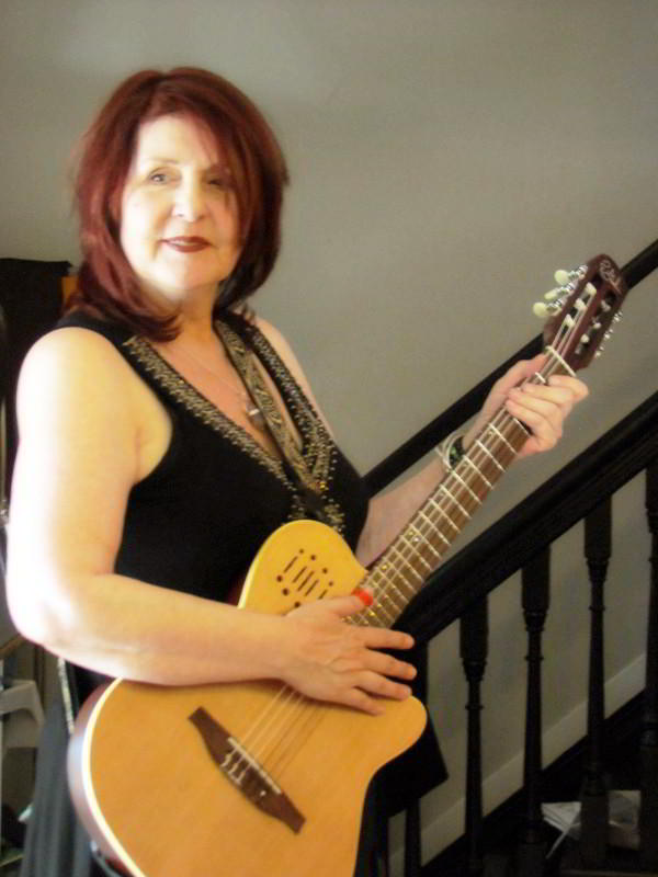 music-deborah-godin-guitar